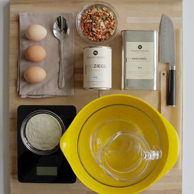 Zutaten für selbstgemachte-Leckerli-Ziegenfleisch-Gemuese-Kartoffeln von Nikolaus Kugler