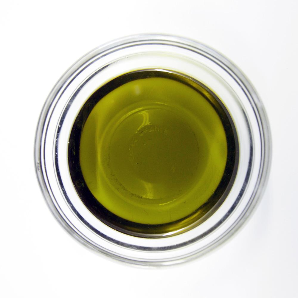 Nikolaus Kugler Bio Hundefutter und Bio- Katzenfutter Bio-Kräuteröl